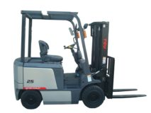 TEU FB25 four-wheel fork electric forklift